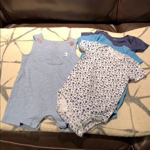 3 Carter's onesies, short all's SZ 6 mons.